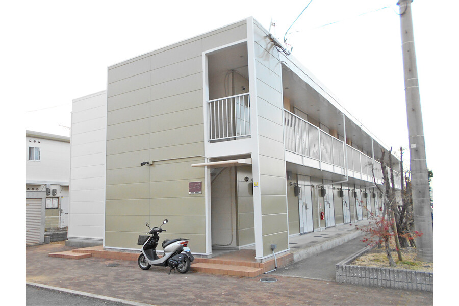 1K Apartment to Rent in Takamatsu-shi Exterior
