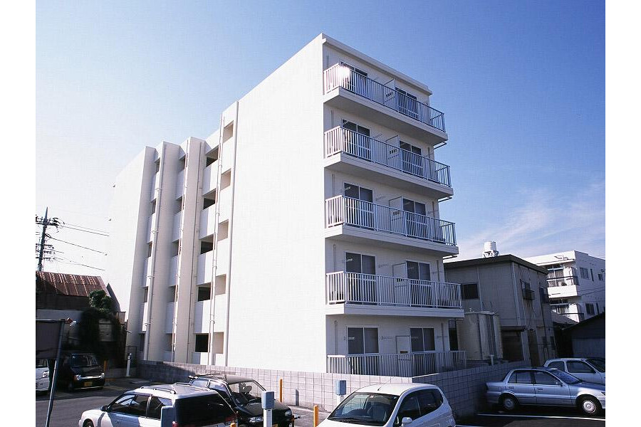 1K Apartment to Rent in Kurashiki-shi Exterior