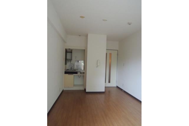 在横濱市南區內租賃1R 公寓大廈 的房產 起居室