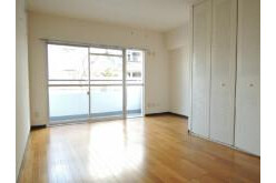 2LDK Apartment to Rent in Chofu-shi Interior