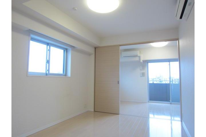 1LDK Apartment to Rent in Setagaya-ku Living Room