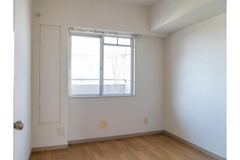 4LDK Apartment to Rent in Musashimurayama-shi Western Room