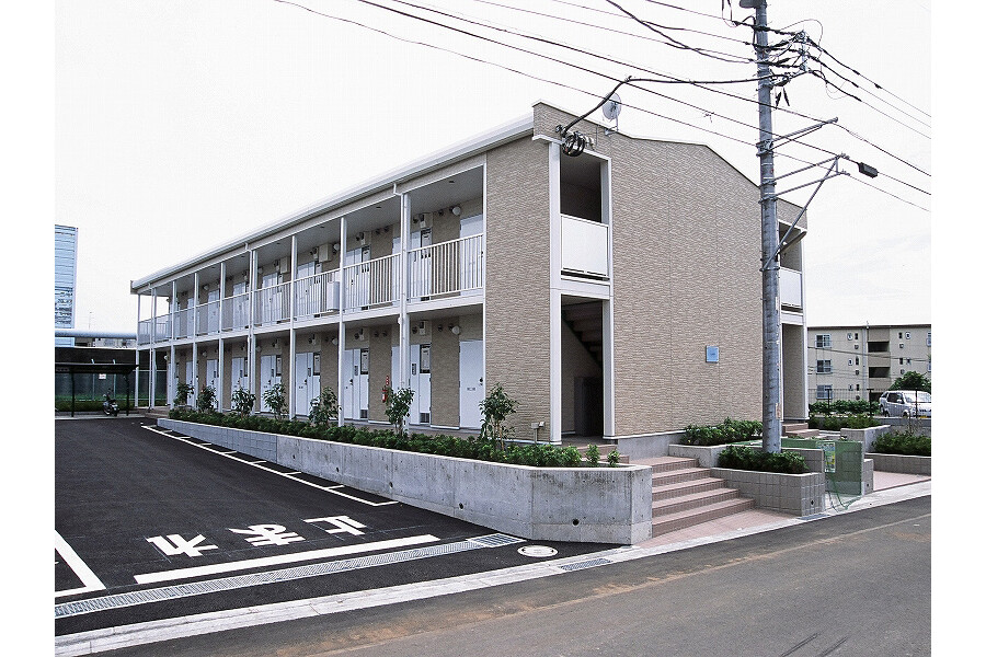 1K Apartment to Rent in Hadano-shi Exterior