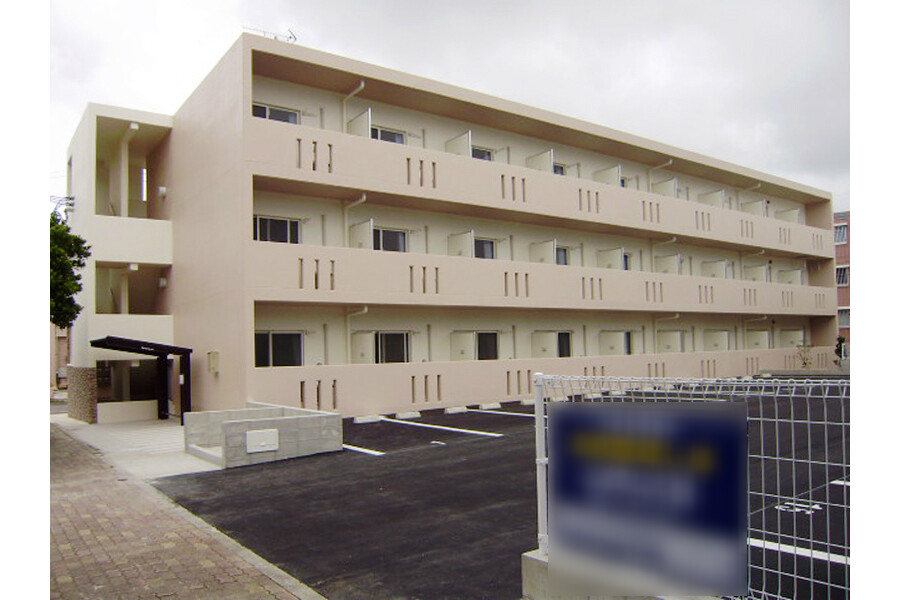 1K Apartment to Rent in Ginowan-shi Exterior
