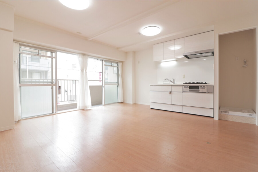 1LDK Apartment to Buy in Osaka-shi Tennoji-ku Living Room