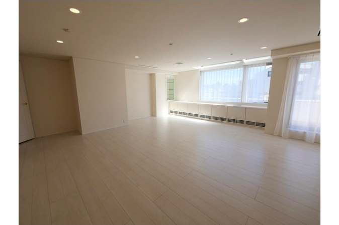 2SLDK Apartment to Rent in Shibuya-ku Living Room