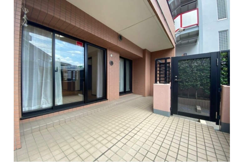 2SLDK Apartment to Buy in Yokohama-shi Kanagawa-ku Balcony / Veranda