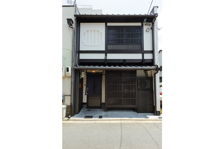 2LDK House to Buy in Kyoto-shi Higashiyama-ku Exterior