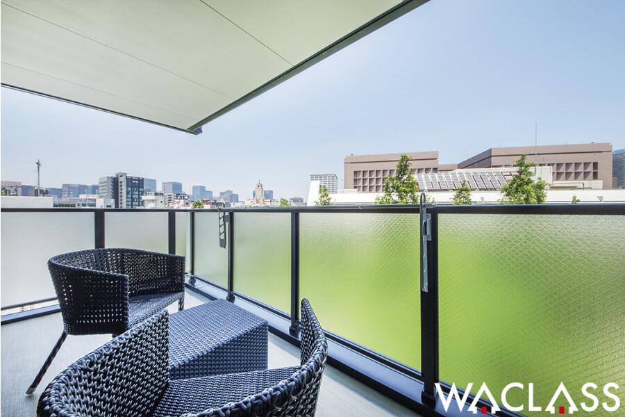 2LDK Apartment to Rent in Chuo-ku Balcony / Veranda