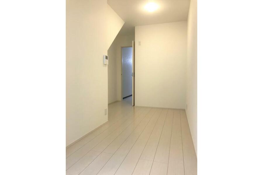 1DK House to Buy in Izumi-shi Living Room