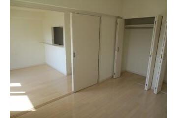 2LDK Apartment to Rent in Zama-shi Interior