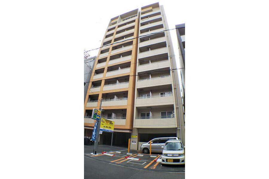 2DK Apartment to Rent in Osaka-shi Naniwa-ku Exterior