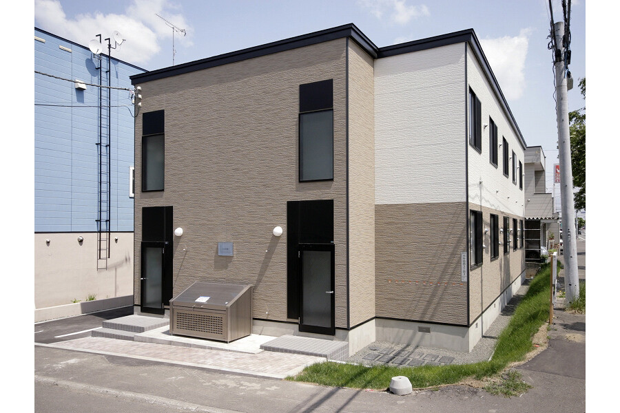 1K Apartment to Rent in Sapporo-shi Atsubetsu-ku Exterior
