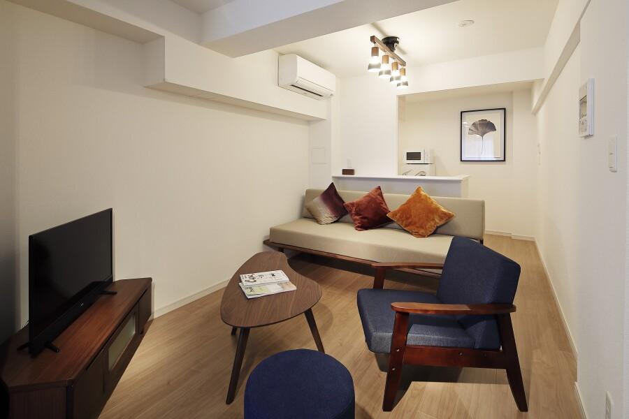 2SLDK Serviced Apartment to Rent in Shibuya-ku Living Room