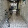 1R Apartment to Rent in Osaka-shi Higashisumiyoshi-ku Entrance Hall