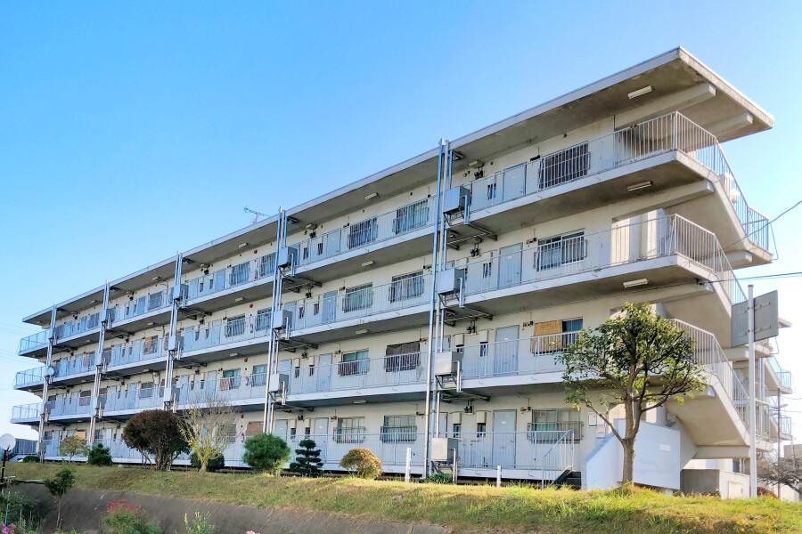 2K Apartment to Rent in Funabashi-shi Exterior