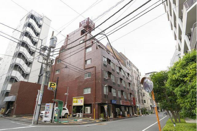 1R Apartment to Rent in Chiyoda-ku Exterior