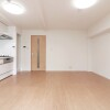 1LDK Apartment to Buy in Osaka-shi Tennoji-ku Interior