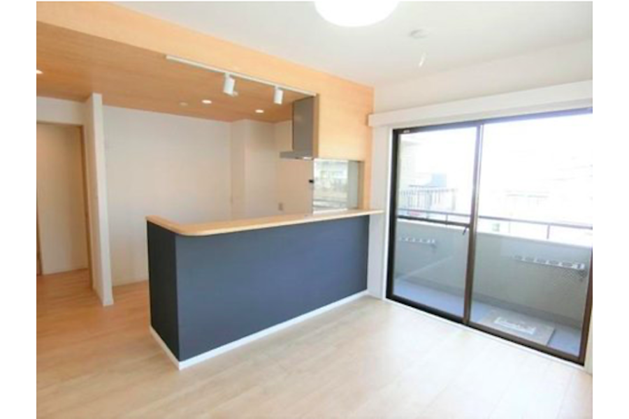 2LDK Apartment to Buy in Toshima-ku Living Room