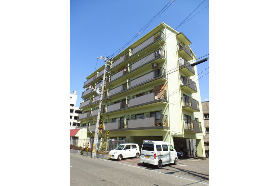 2LDK Apartment to Rent in Osaka-shi Higashisumiyoshi-ku Exterior